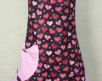 Valentines Day Apron, Valentines Day Gift, Black and Pink Heart Apron, Mothers Day Apron