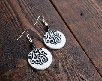 Circular ceramic earrings, Geometric earrings, Black and white, Dangle earrings, Long earrings, Natural earrings, Handmade ceramic earrings