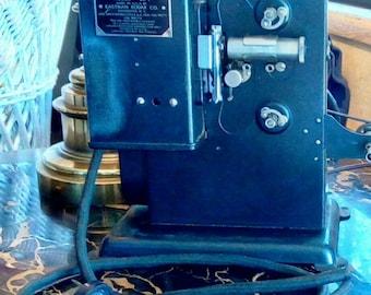 Vintage Kodascope Eight Model Number 20T Projector, Vintage Electronics
