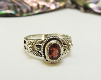 Sterling Silver Ring Garnet /Size 7.5