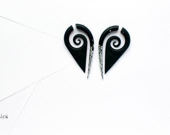 Fake gauge earrings black ans silver spirals fake gauges fake plugs