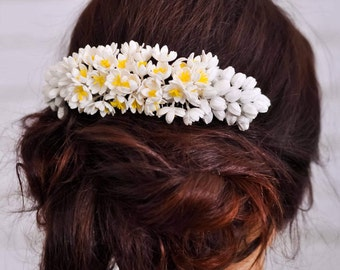 Flower hair comb Bridal comb Wedding hair jewelry Wedding hair piece Bridal headpiece Wedding accessories White flower hair clip for woman