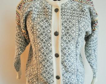 Vintage Norwegian Sweater / Norway pure wool / Women / Men / Silver clasps / Small / S / XS / Nordic / Scandinavian / Cardigan / Grey