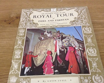 """The pictorial history of the Royal Tour of India and Pakistan ( """" Pride of Britain """" pictorial books) Booklet in Good Condition"""