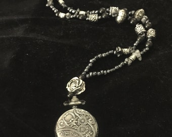 Locket Rose