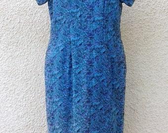 SALE // Stunning Vintage Embroidered Shift Dress