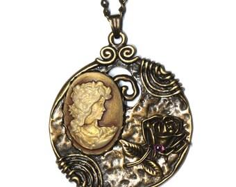Necklace pendant long necklace Vintage cameo Sagona