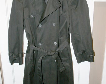 Men's Black Trench Coat//42 Regular ~ London Fog//Long Double Breasted Trench Coat//Vintage Trench Coat