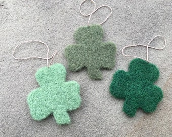 Needle Felted Clover Ornaments, Clover Ornaments, Clover Gift Topper, Clover Present Topper, Clover Gift Tag, Clover Decorations