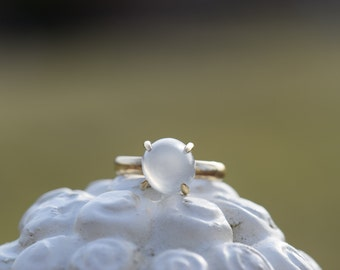 10 Karat Yellow Gold Vintage Gumdrop Gemstone Gypsy Ring, US Size 6.75 , Used Vintage Jewelry