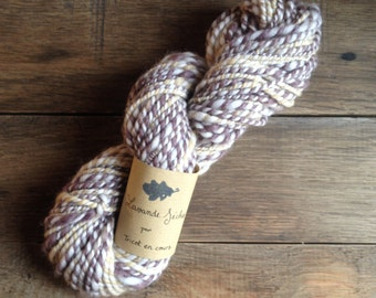 Dried Lavender - skein of Falkland wool spun and dyed by hand