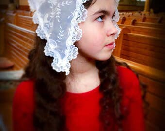 Small White Mantilla / Soft Georgette Veil / Church Headcovering / TLM Mantilla / Veil for Mass / Church Mantilla / Accessories for Mass