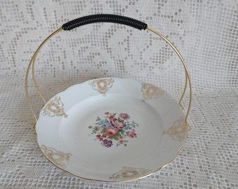 Display way of Art porcelain basket cakes, handmade. 50s/60s. Beve-Decor.