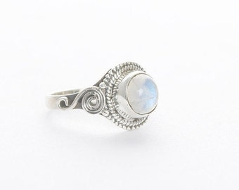 Moonstone Ring, Natural Rainbow Moonstone Ring, Pure 925 Sterling Silver Ring, Boho Ring, Healing Crystal Ring, Silver Moonstone Jewelry.