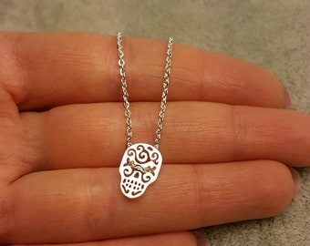 Sugar skull necklace, Tiny skull necklace, Human skull necklace, Silver sugar skull, Human skull jewelry, Anatomical skull, small skull neck