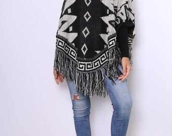 Poncho with sleeves pull-on