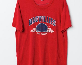 Mac Willies Day camp vintagE graphic t-shirt / L / Red / 80's
