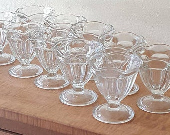 8 Vintage Glass Ice Cream Cups~Anchor Hocking Tulip Ice Cream Cups~Anchor Hocking Fluted Parfait Glasses~Glass Sherbet Cups