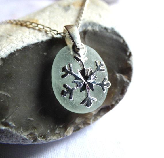 Snowflake Pendant, Sea Glass Pendant, Xmas Pendant, Xmas Sea Glass, Sea Glass Necklace, Christmas Snowflake, Sea Glass Jewelry- PE16028
