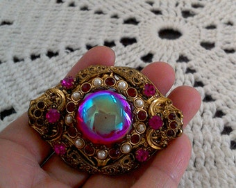 20% off Stunning Vintage GERMAN Gold Tone Brooch Pink Gemstone/Glass with Pearl Stud Seeds