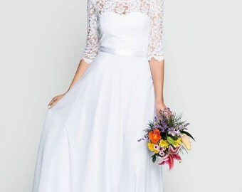 Romantic lace wedding dress/ classic wedding dress / short tail wedding dress/ 3/4 sleeve wedding dress