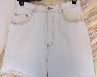 VINTAGE Super High-waisted Off-White shorts