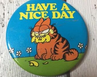 Vintage 80's Garfield badge 5.5cm across