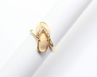 Na Hoku 14k Yellow Gold Slipper Flip Flop Ring with Diamonds