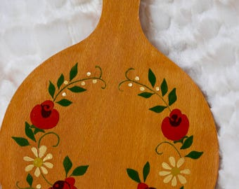 Vintage Hand Painted Wood Cutting Board, Vintage Wood Paddle, Boho decor, Wall Hanging, Folk Art, Floral Wood Board, Vintage Painted Board
