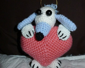 Crochet  handmade Mouse with pink heart