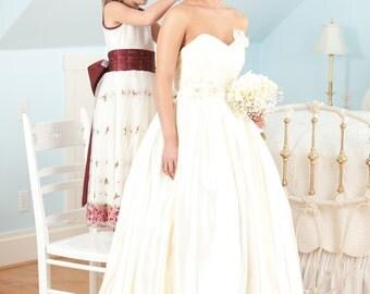 Strapless Ivory Silk Satin Ballgown Wedding Dress. SIZE 4-6