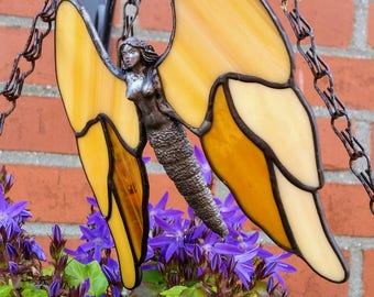 Stained glass angel,  Tiffany angel in glass, glass angel with colored Gabriël wings, and a tin body, Guardian Angel as window decoration