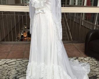 Long Sleeved Vintage Wedding Dress (1987)