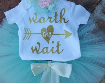 "Adorable going home/newborn picture ""Worth the Wait"" 3 piece outfit"