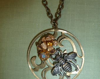 bee with flowers pendant