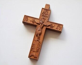 Cross of wood
