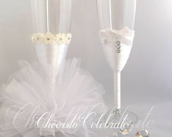 All White Wedding Flutes, Champagne Glasses, Wedding Toasting Flutes, Champagne Flutes, Bridal Shower Gift