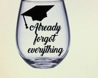 Graduation wine glass. Graduation gift. Graduation gift ideas. Class of 2017. Graduate gift. Graduate wine glass. Grad gift. Grad wine glass