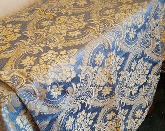 Twin Comforter with Oversize Sham