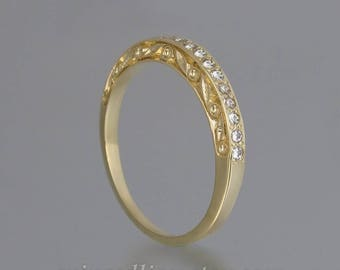 THE ENCHANTED Wedding Band 14k yellow gold & white sapphires