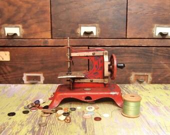 Rare ERNST PLANK Red Metal Toy Sewing Machine Vintage Pre World War ll German Childs