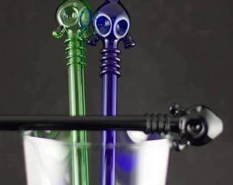 Gas Mask Glass Straw / Cyber Punk / Post Apocalypse / End of the World / Wasteland / Steampunk Glass / You Choose the Color / Made to Order
