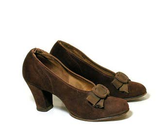 1930s Babydoll Pumps, Brown Suede Pumps, 30s Brown Pumps, 1930s Heels, Chunky Heel Suede 30s Shoes, size 5