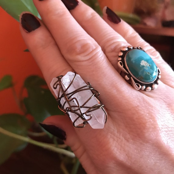 Quartz Crystal Ring // Healing Crystals // Metaphysical Jewelry Shops // Reiki // Wire Wrapped // Boho Chic // Bohemian Style // Adjustable