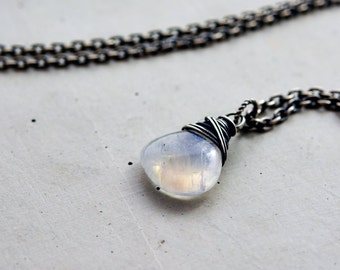 Moonstone Necklace, Gemstone Necklace, Moonstone Pendant, Moonstone Pendant, Gemstone Pendant, Gemstone Jewelry, Rainbow Moonstone, Gift