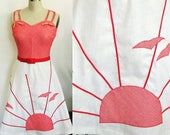 28 waist, Sunburst Red and White 1970s Dress / Vicky Vaughn label / 70s Sundress with 50s Style