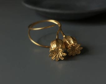 Gold earrings-Botanical earrings-Poppy pod earrings-Nature cast jewelry -Dangle earrings -Wedding earrings for her