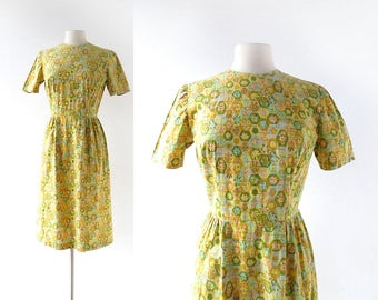 Vintage 1960s Dress | In Bloom | Floral Print Dress | 60s Dress | XS S