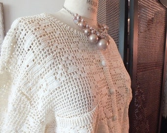 NATURAL ECO FRIENDLY Gift for Mom vintage hand crochet Sweater cardigan in open weave with cotton thread size M-L