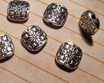10 square beads, floral details on both sides, shiny silver tone, 10mm